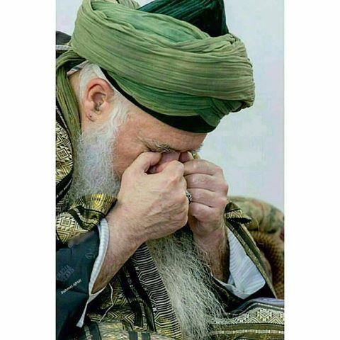 old men in pray